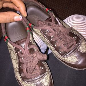 Gucci kid Sneakers size 1! 100% authentic!!